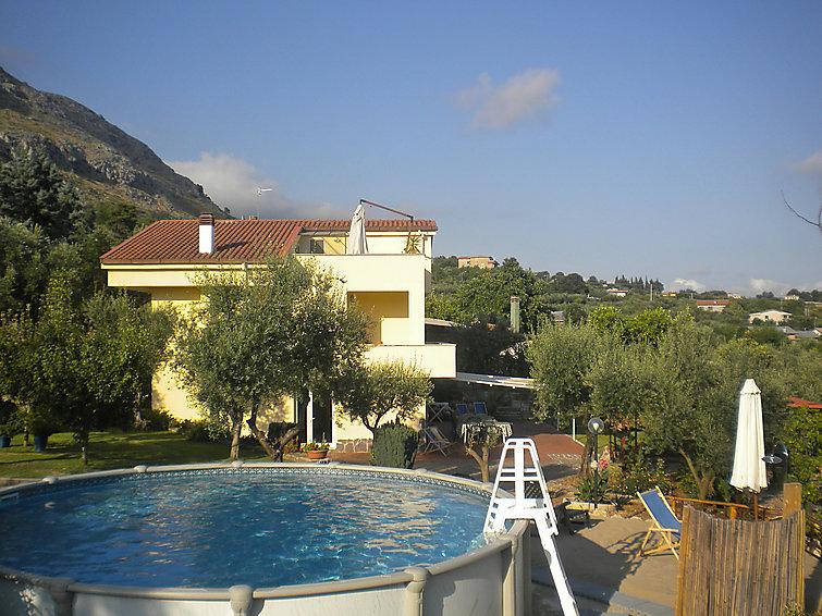 Villa Eva, Eva's home