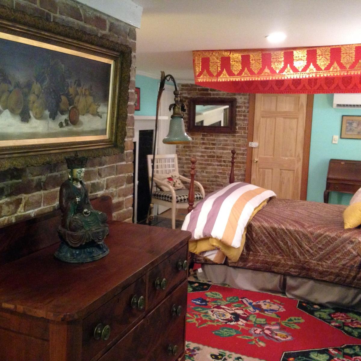 Cozy townhouse apartment