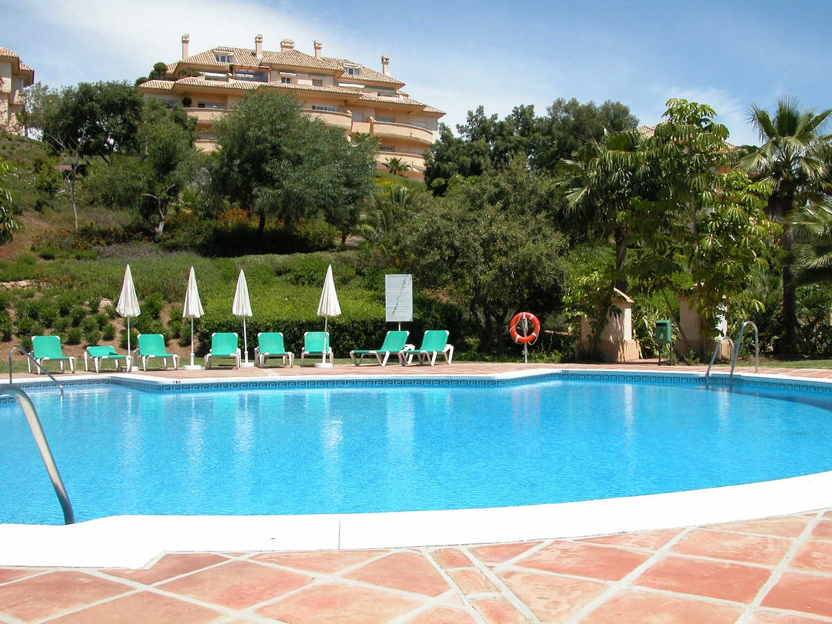 Elviria Hills 2-Bed Apartment