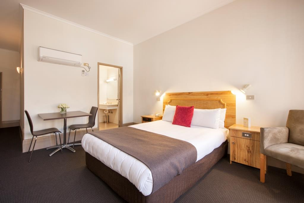 Private hotel room in Adelaide CBD