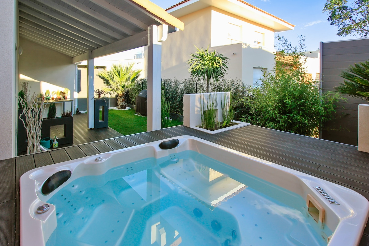 Villa near Montpellier with Jacuzzi