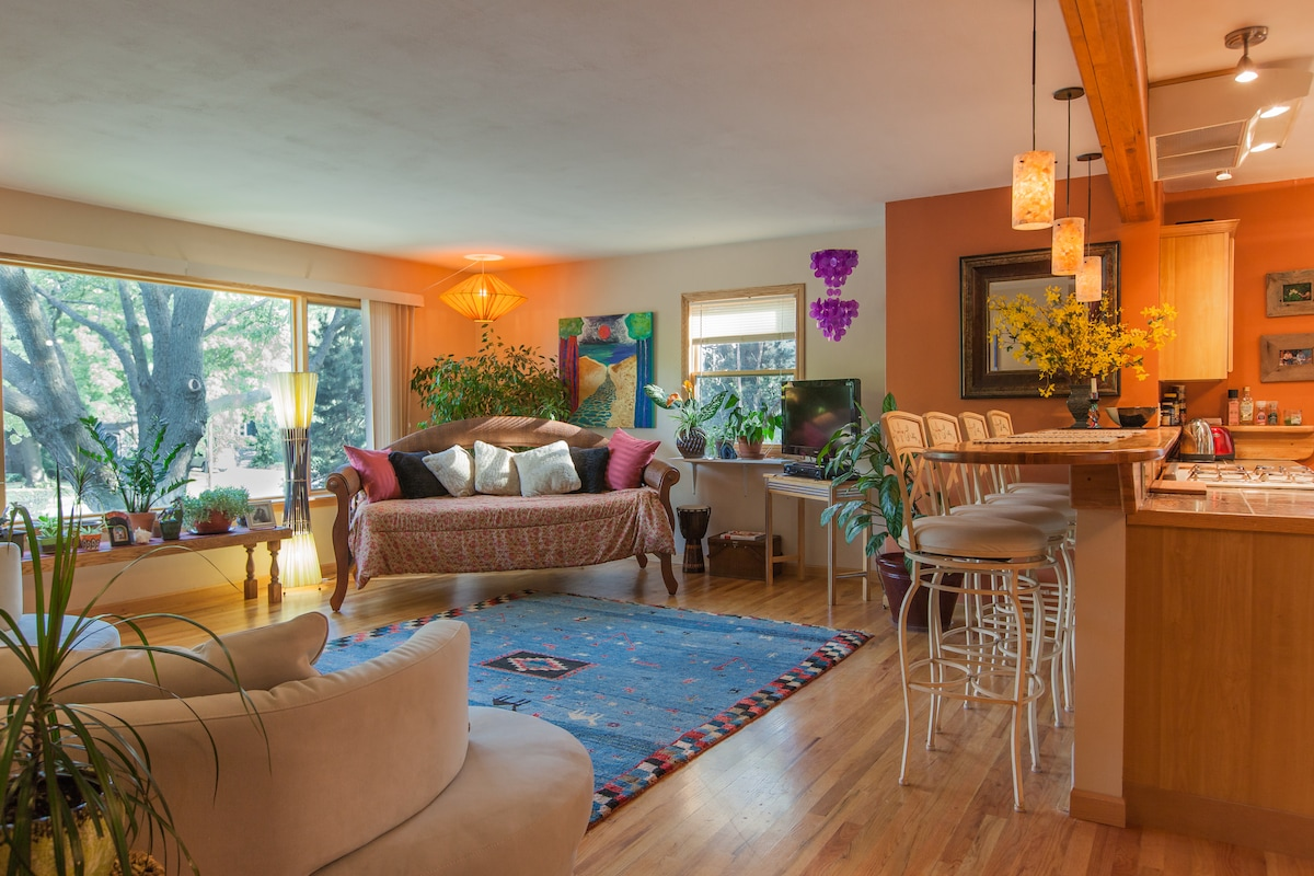 Colorful and Ethnic Ambiance