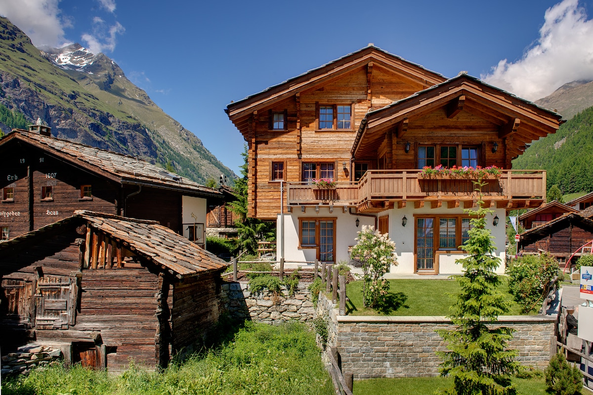 5* Amazing top Chalet for 12,255 m2