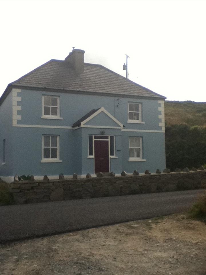 Charming house, stunning sea views