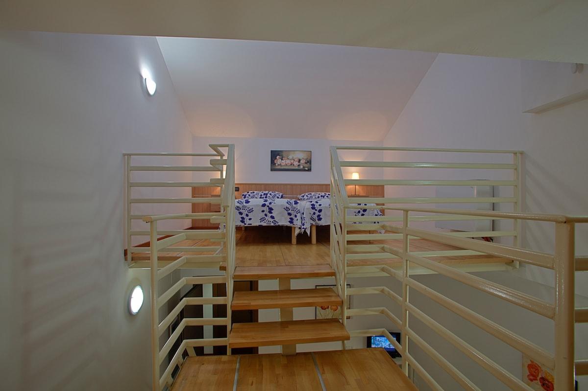 Nice Loft in Milan Near Hearth 04