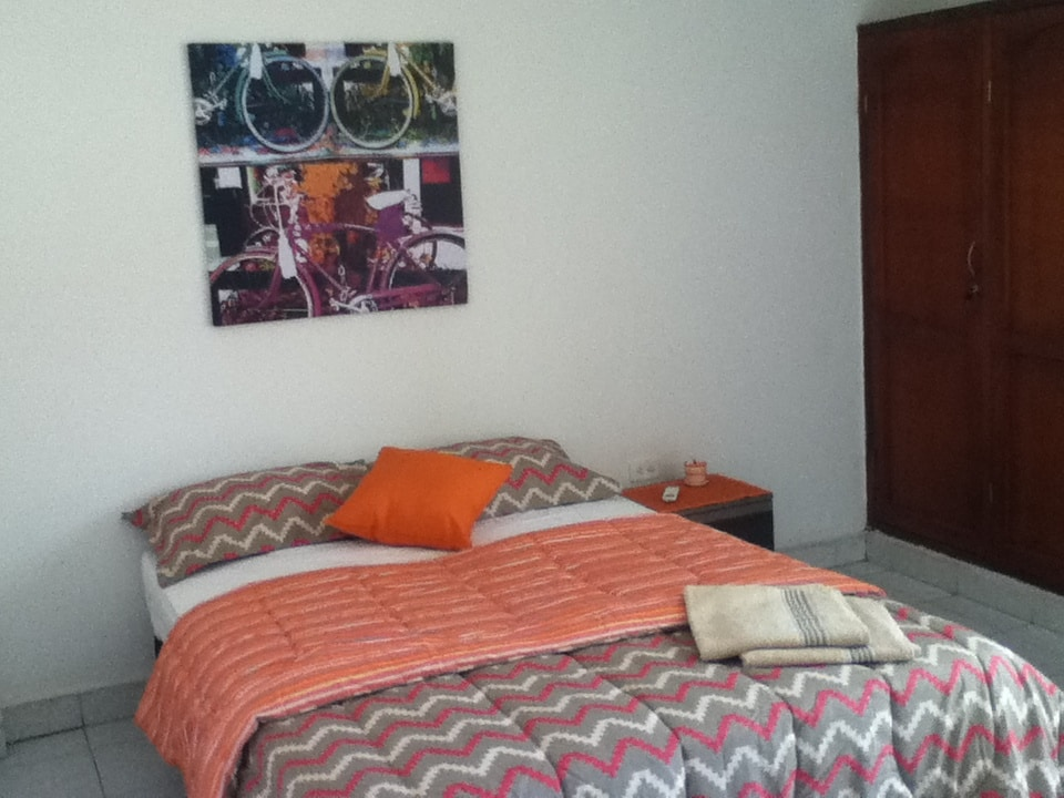 Double room, private bathroom, A/C