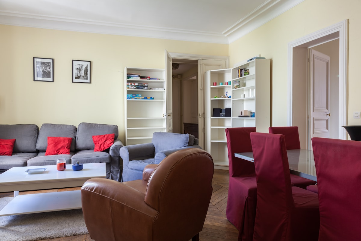 Cosy family flat near Montmartre