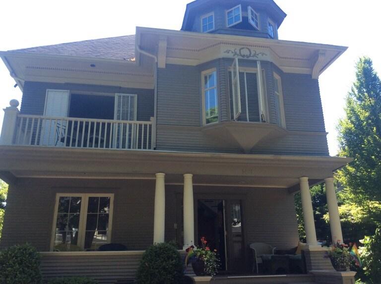 Beautiful 4BR/3BA Victorian Home
