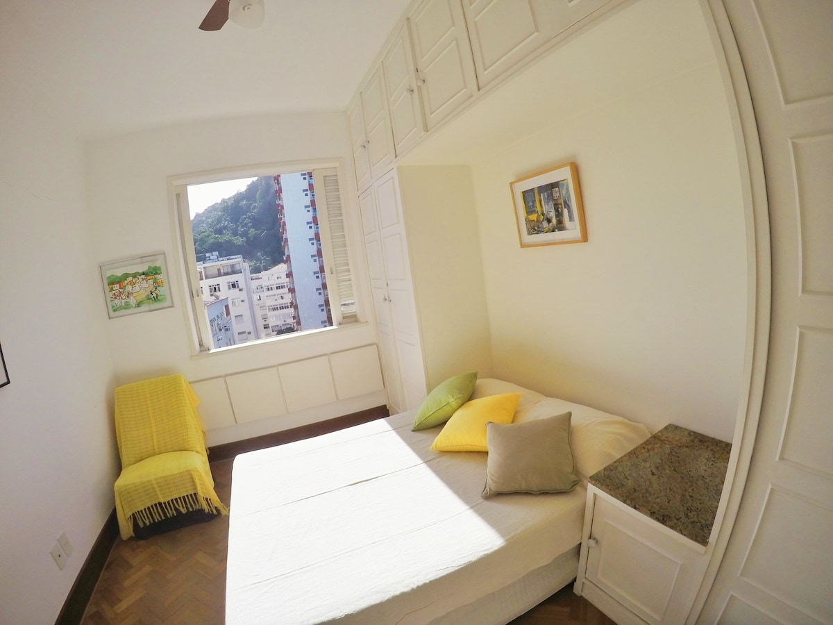 Your Room in Copacabana Post 3