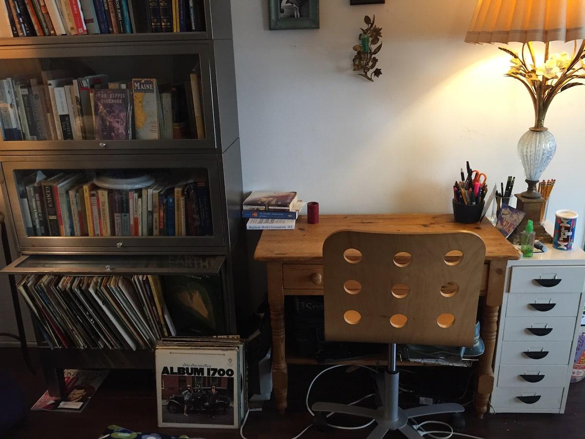 Bright, Peaceful Studio Apartment