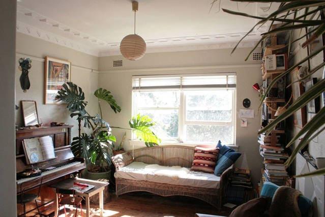 Bright apartment on park edge