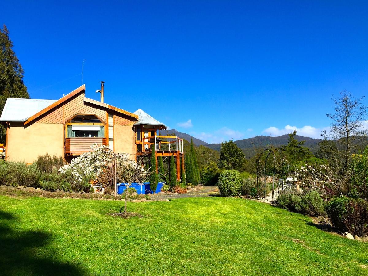 Hobart - Stunning Country Retreat