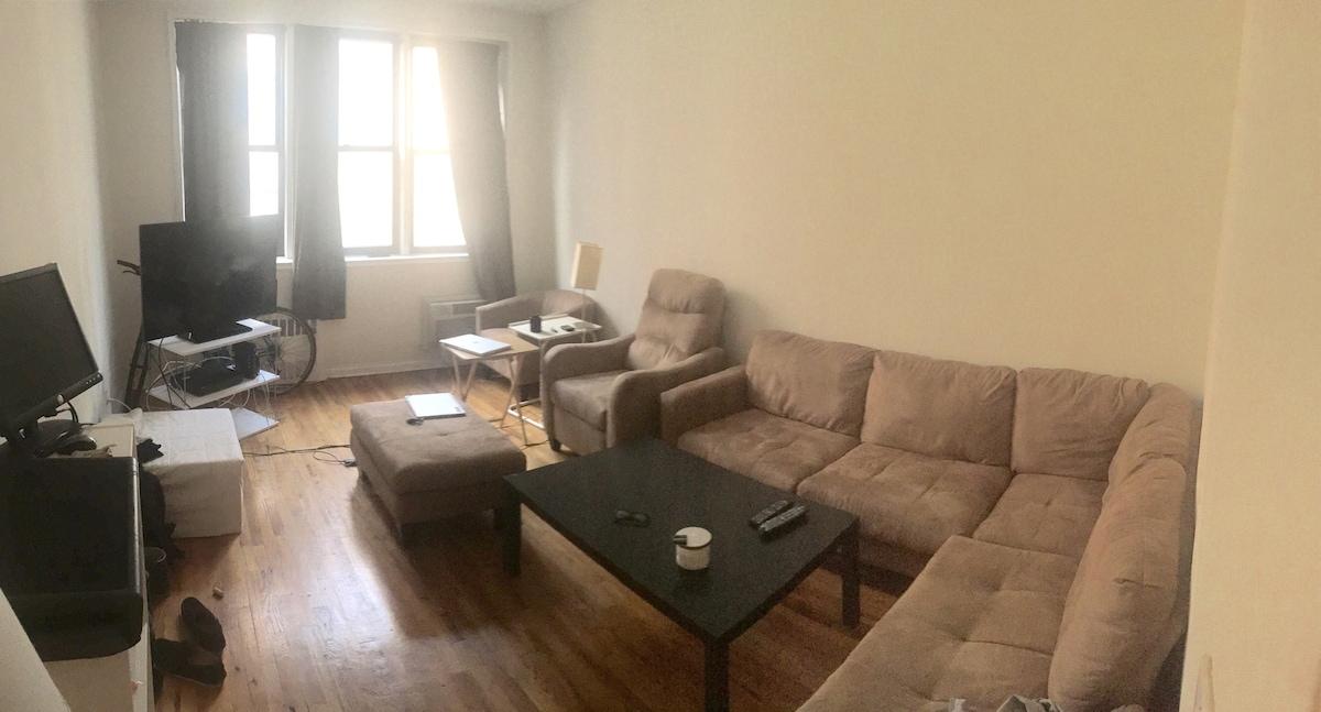 Large 1 Bedroom apt in UES