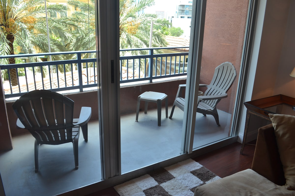 SOUTH BEACH 1 BED EXQUISITE APT