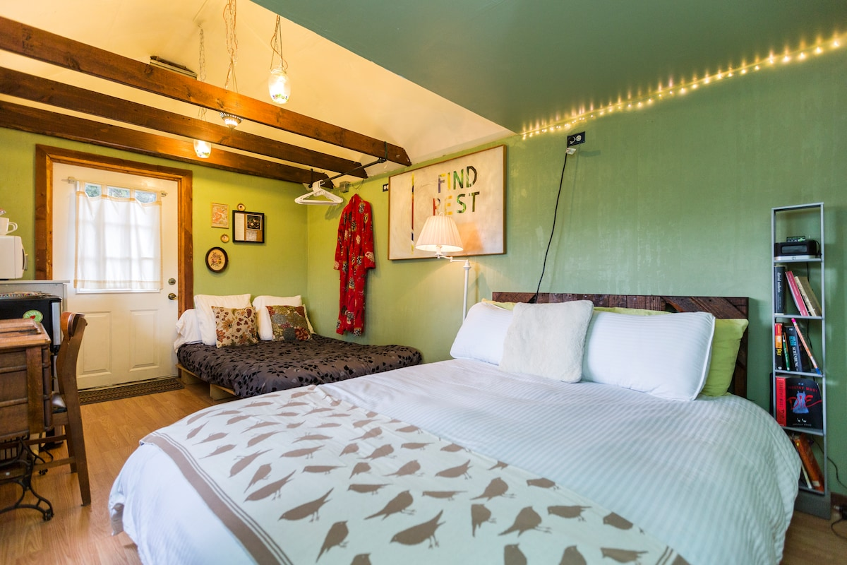 The casita features  a queen sized bed and a futon, which provides room for 4 to sleep.