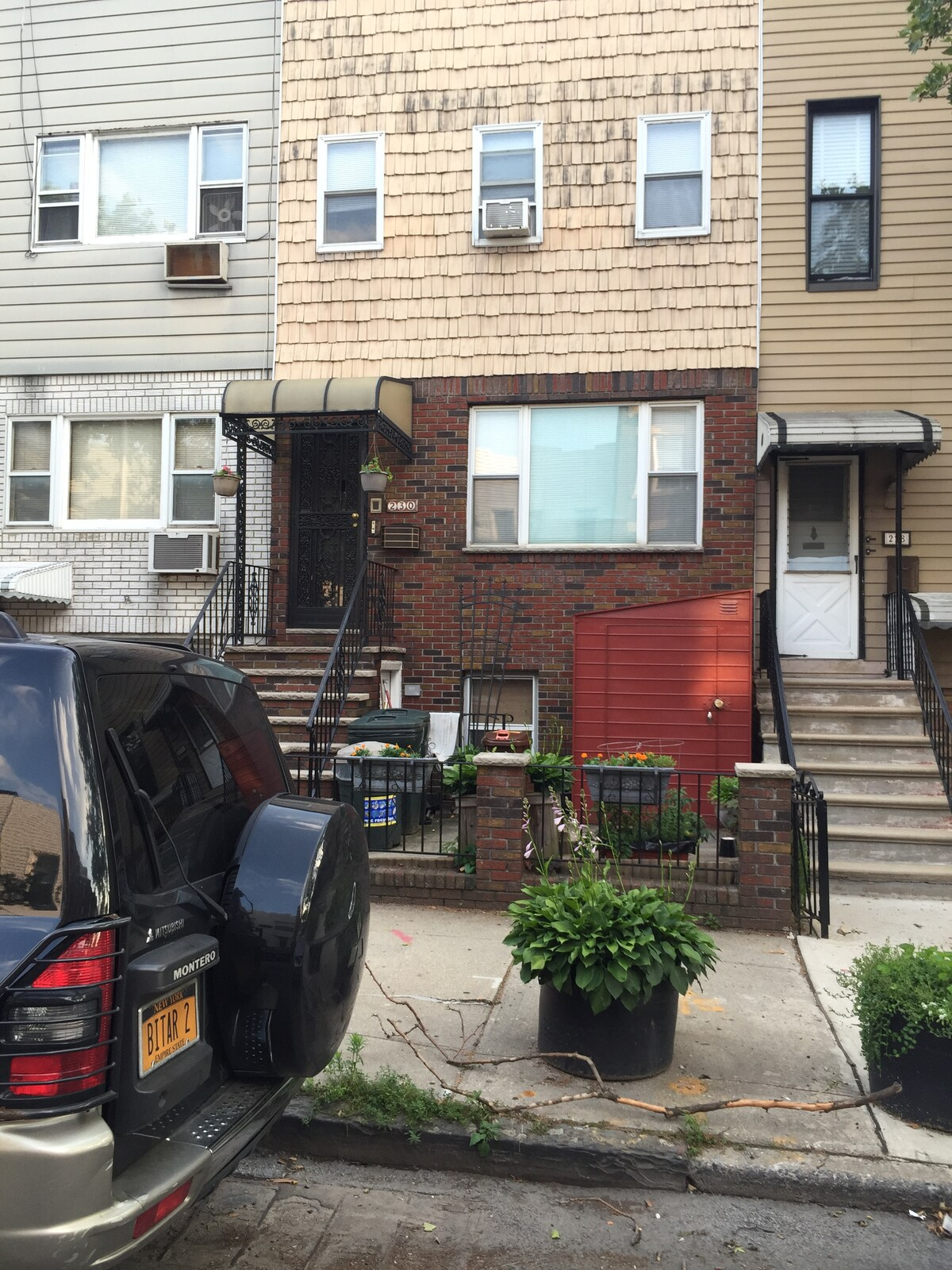 Feel at Home in South Slope!