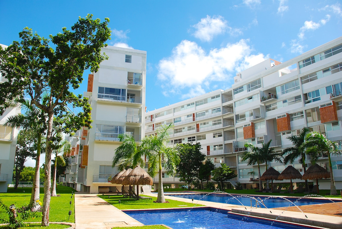 3 Bedroom Condo Near the Beach!