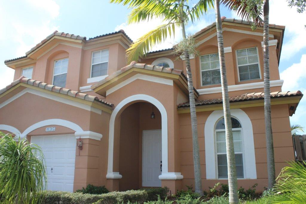 Bed & Breakfast at Doral 2 Beds