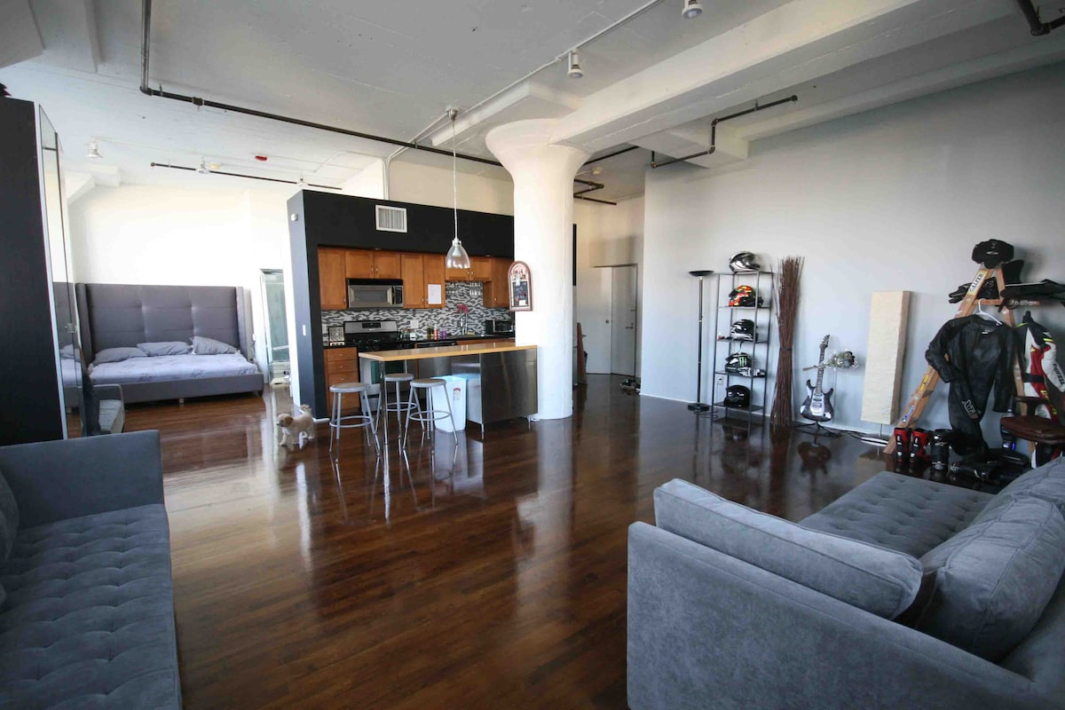 Entire loft in downtown los angeles