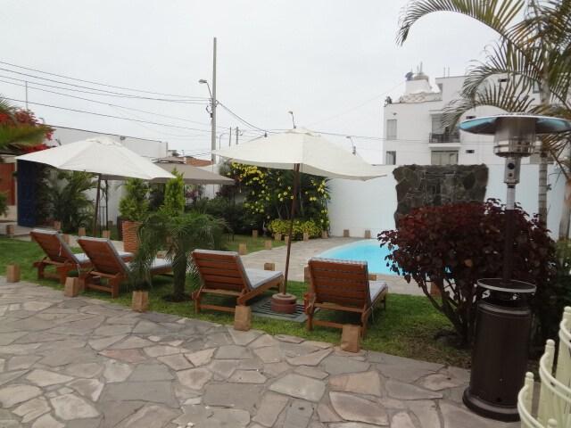 """Casa de Playa y Salón """"COSTAZUL"""""""