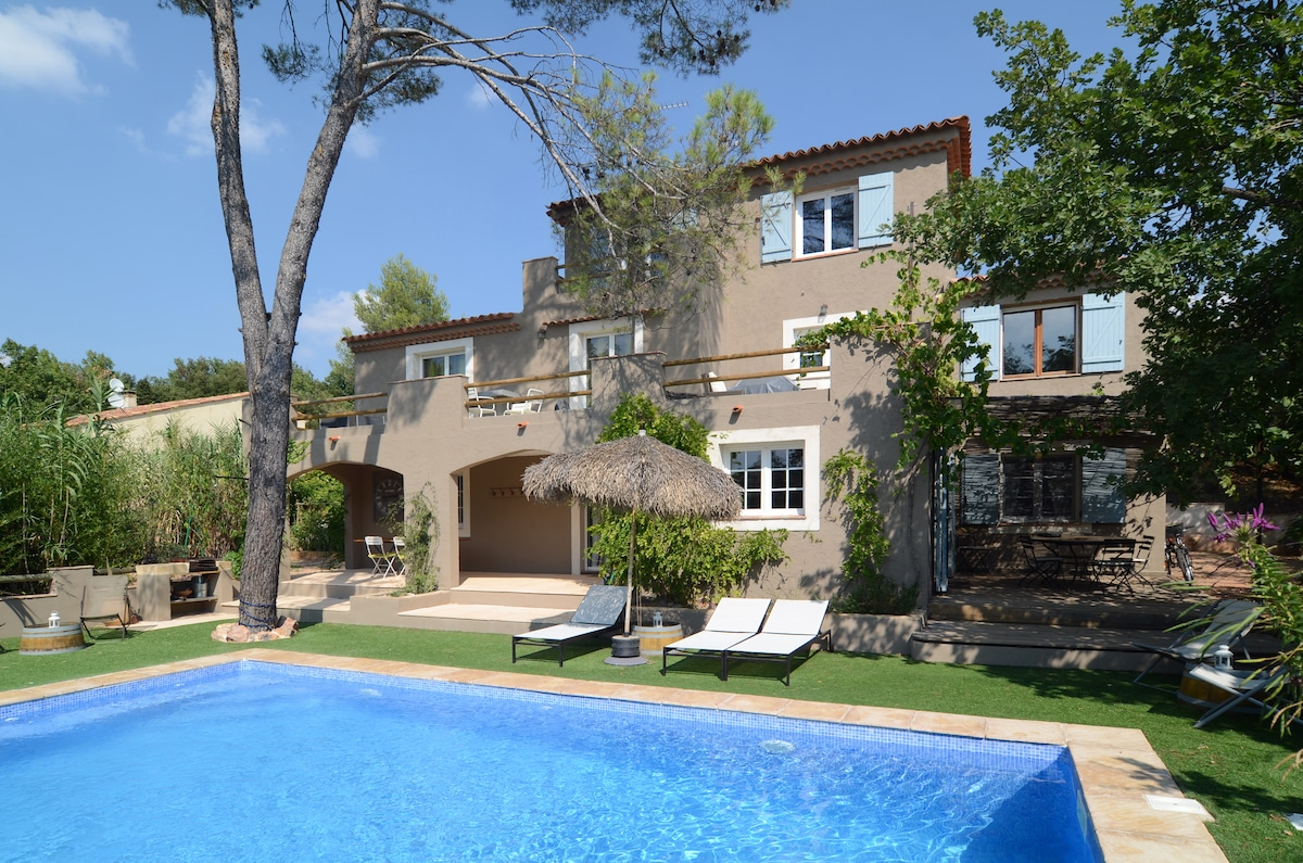 Charming cottage in Aix country
