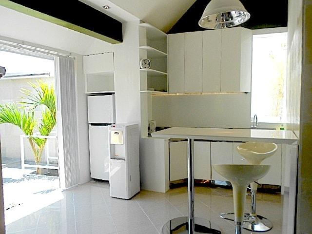 the apartment kitchen