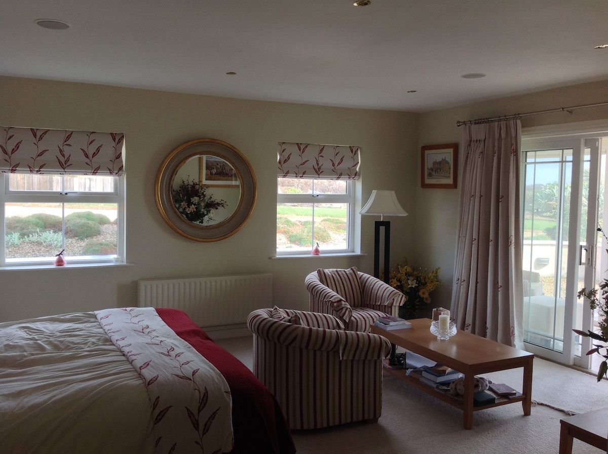 Luxury room en suite with sea view