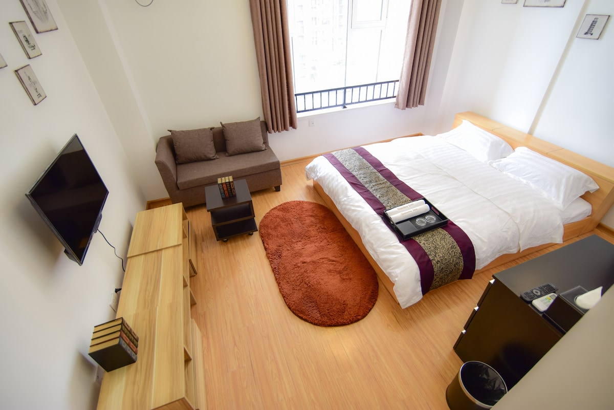 Standard One-Bedroom Apartment (A)