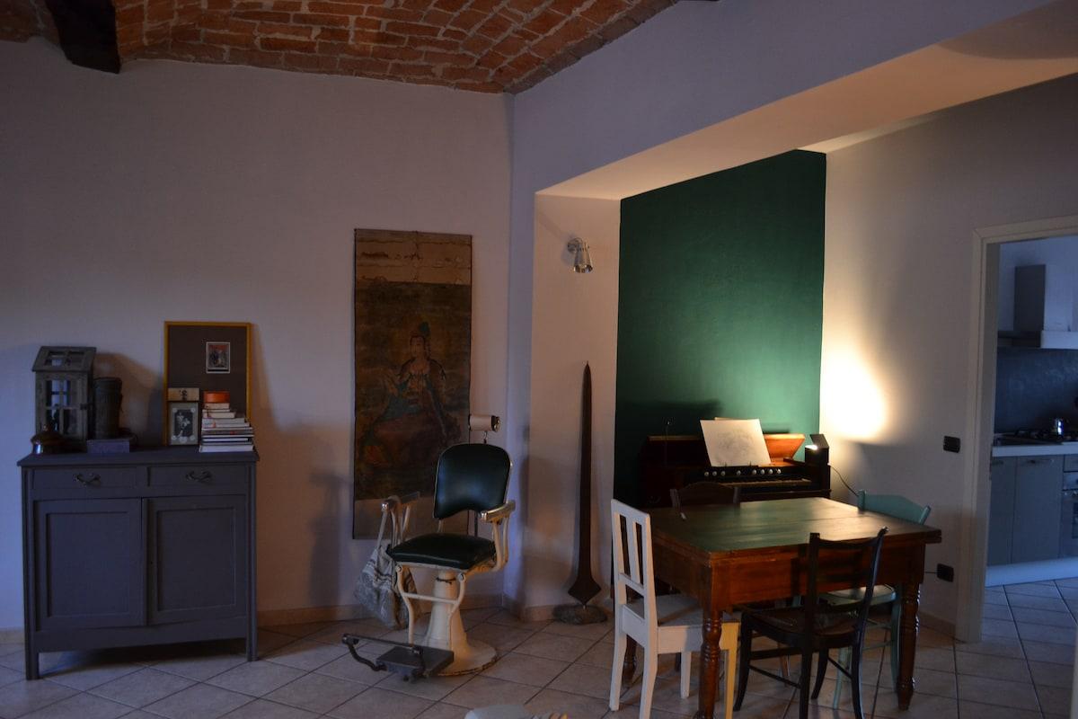 Cozy and bright apt in Asti