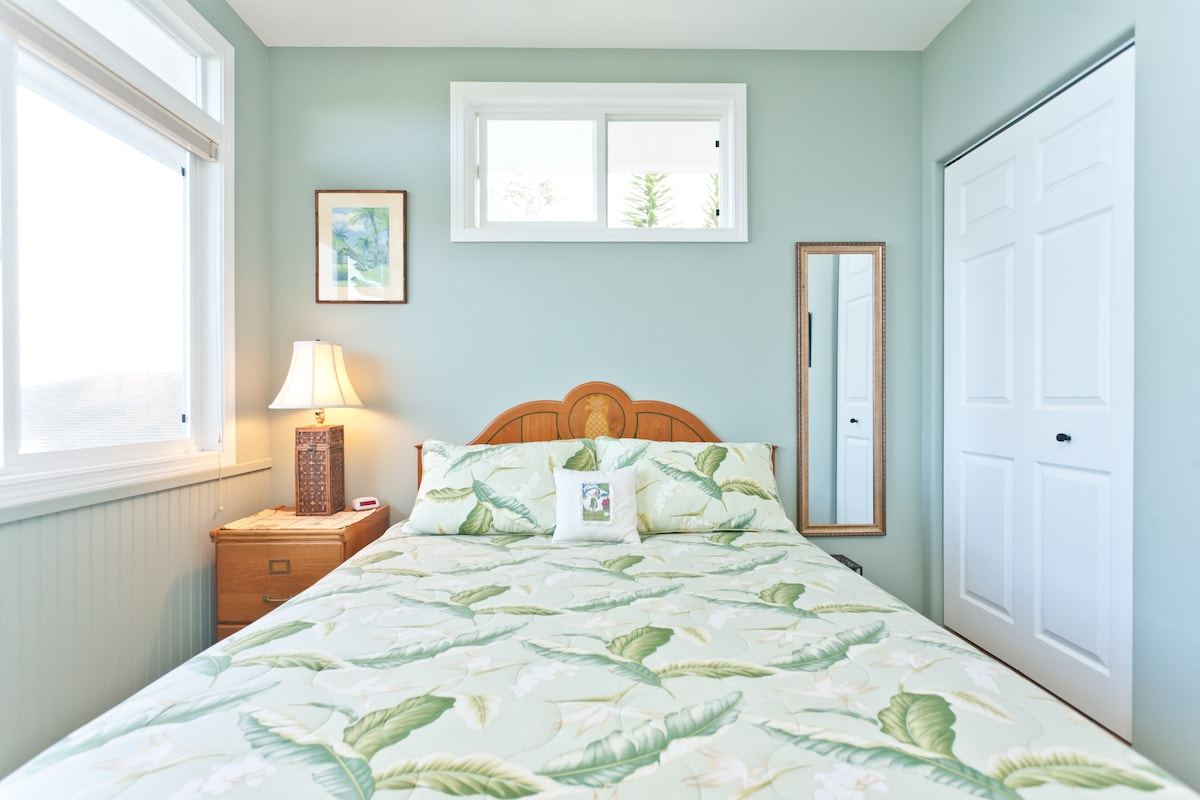 Comfy queen size pillow top bed and ocean views