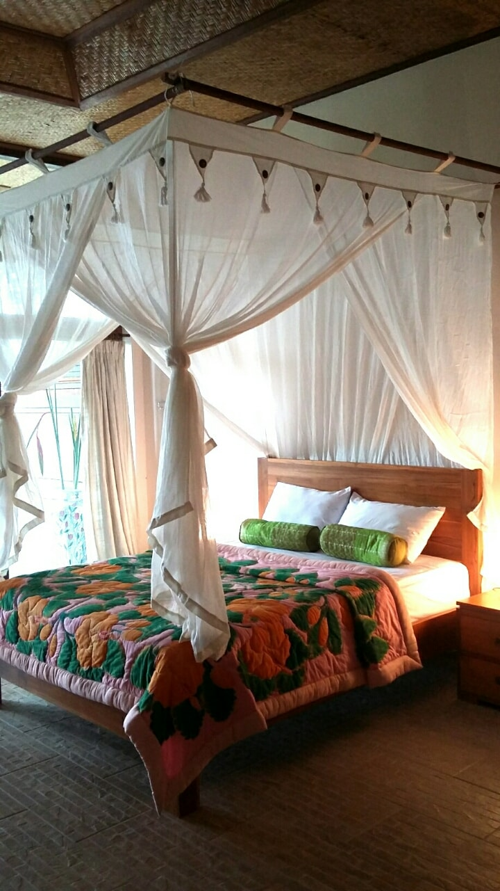 Bamboo 4 has one double netted & one single beds