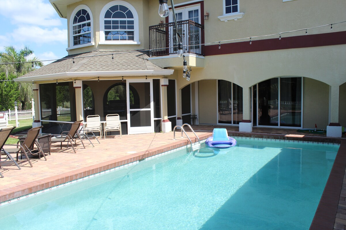 Private Bedroom/Pool in Ft. Myers