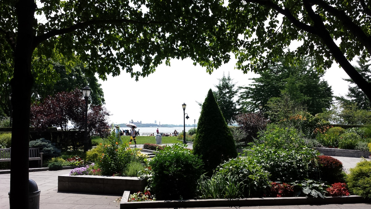 2 Weeks Stay in Battery Park