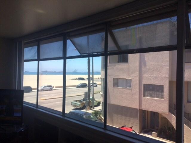 Belmont Shore Apt. w/ Ocean View!!