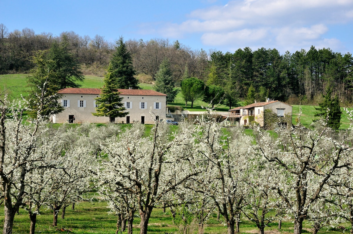 Domaine Lapeze Bed & Breakfast