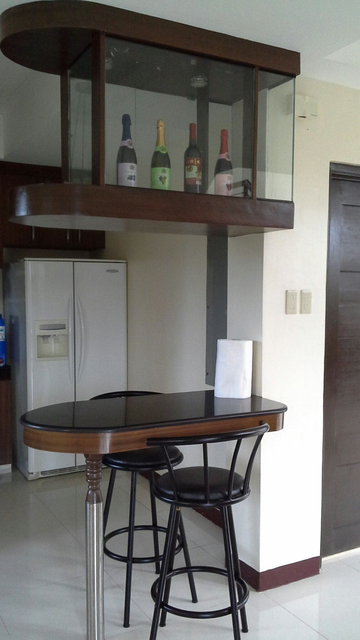 Furnishes 4 bedrooms, 3 baths,