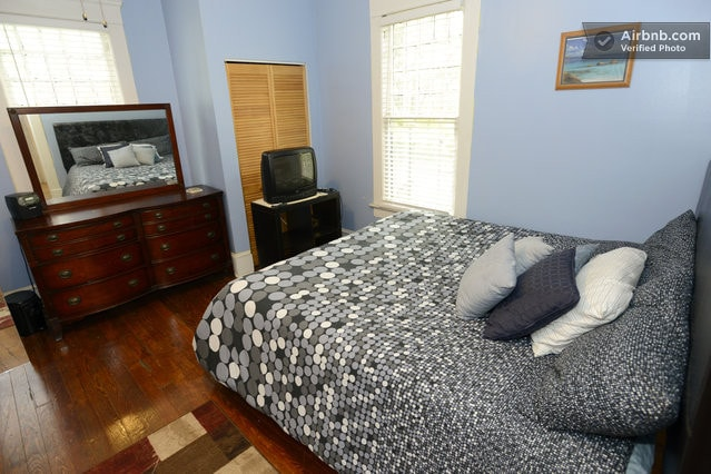 Nice large bedroomroom with king Size Bed