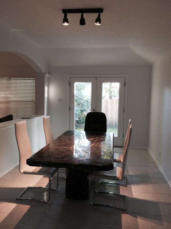 Private Room in North Austin
