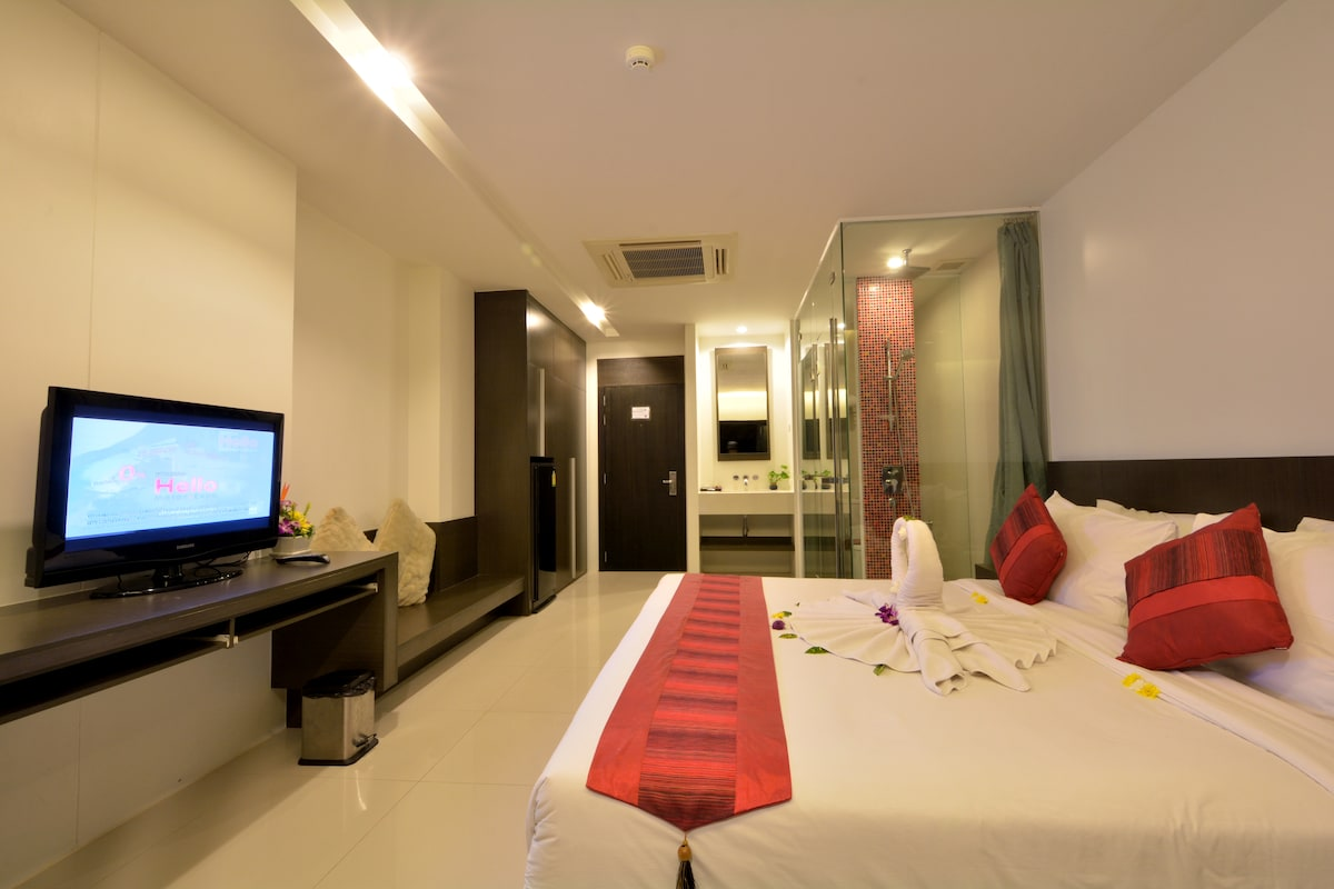 Modern Deluxe Room- Chaweng City-2