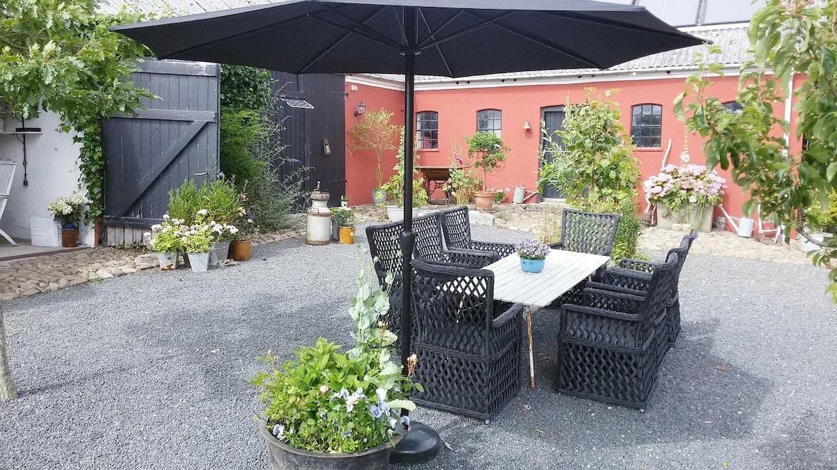 Romantic cozy rooms near JUELSMINDE