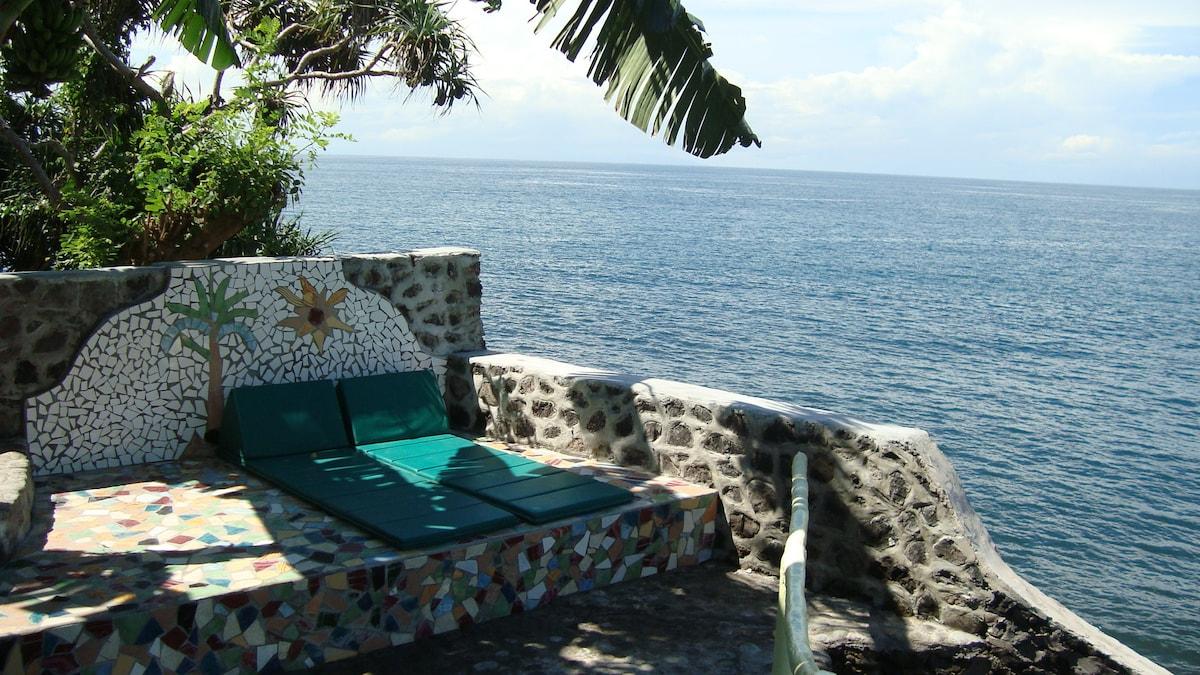 ocean shore, great garden  rooms