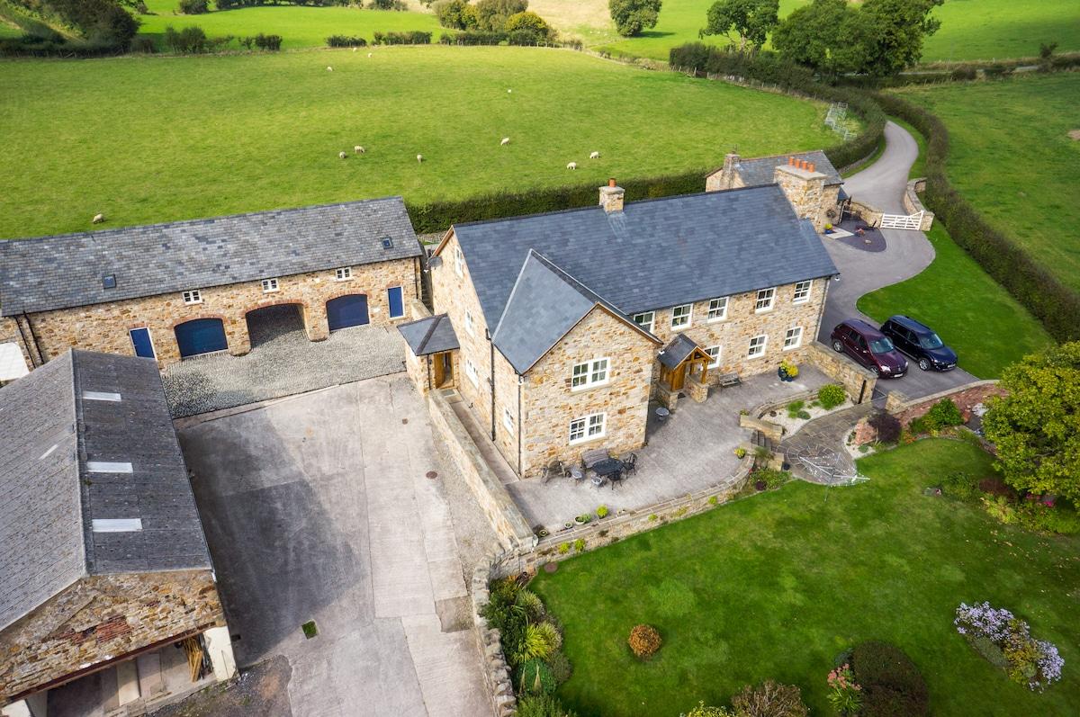 The Luxury Stone Barn Apartment