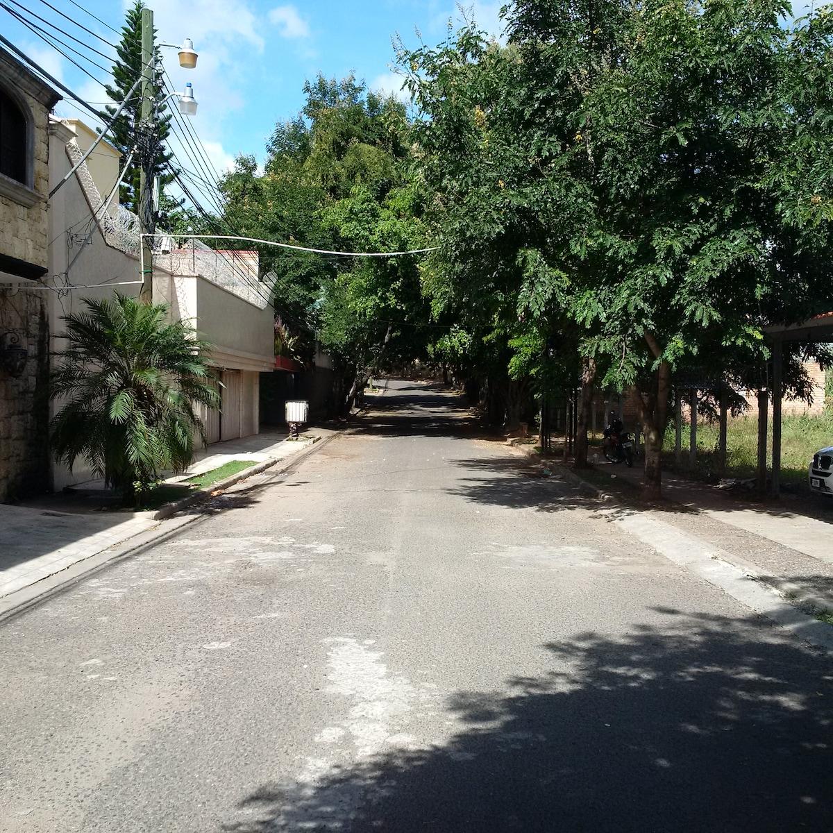 Lomas del Guijarro, Apt # 2