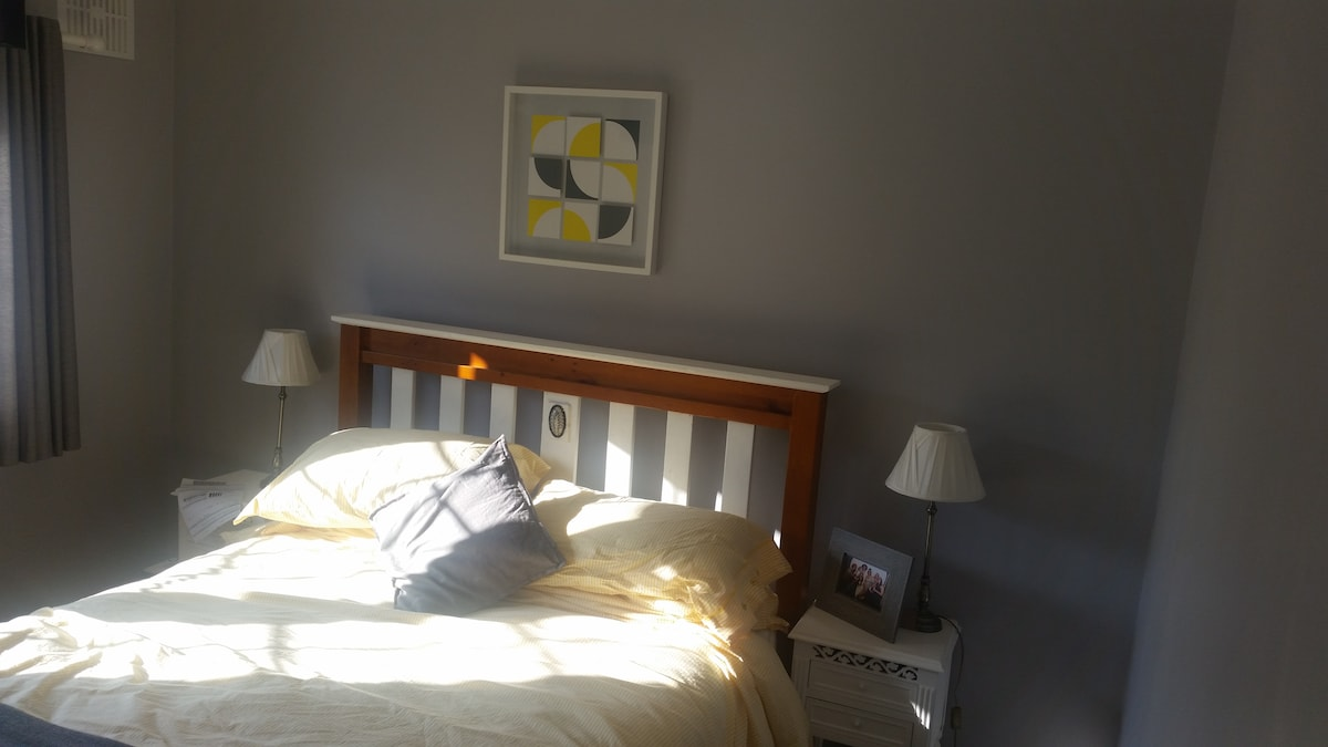Kingsize Bed in North Dublin City