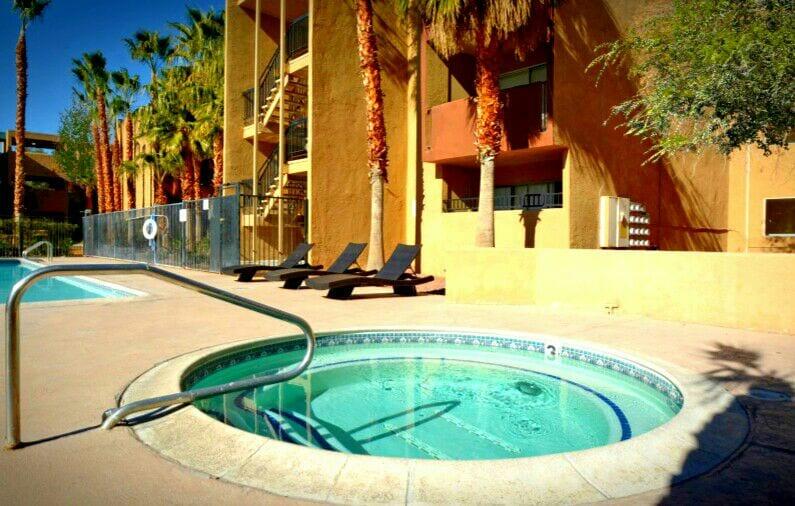 Vegas Micro-Hostel Near the Strip!
