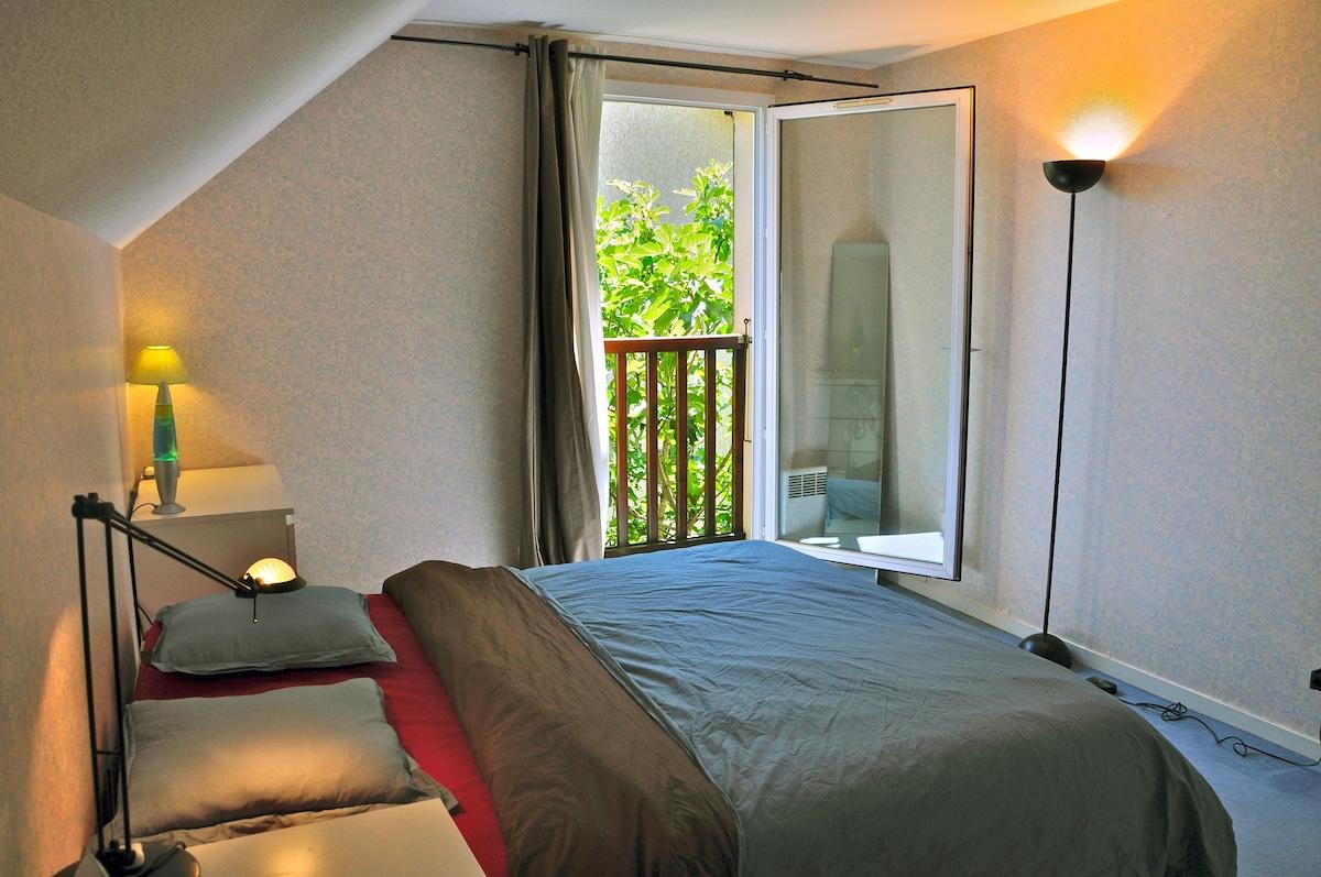 Big, bright and cosy room in  villa
