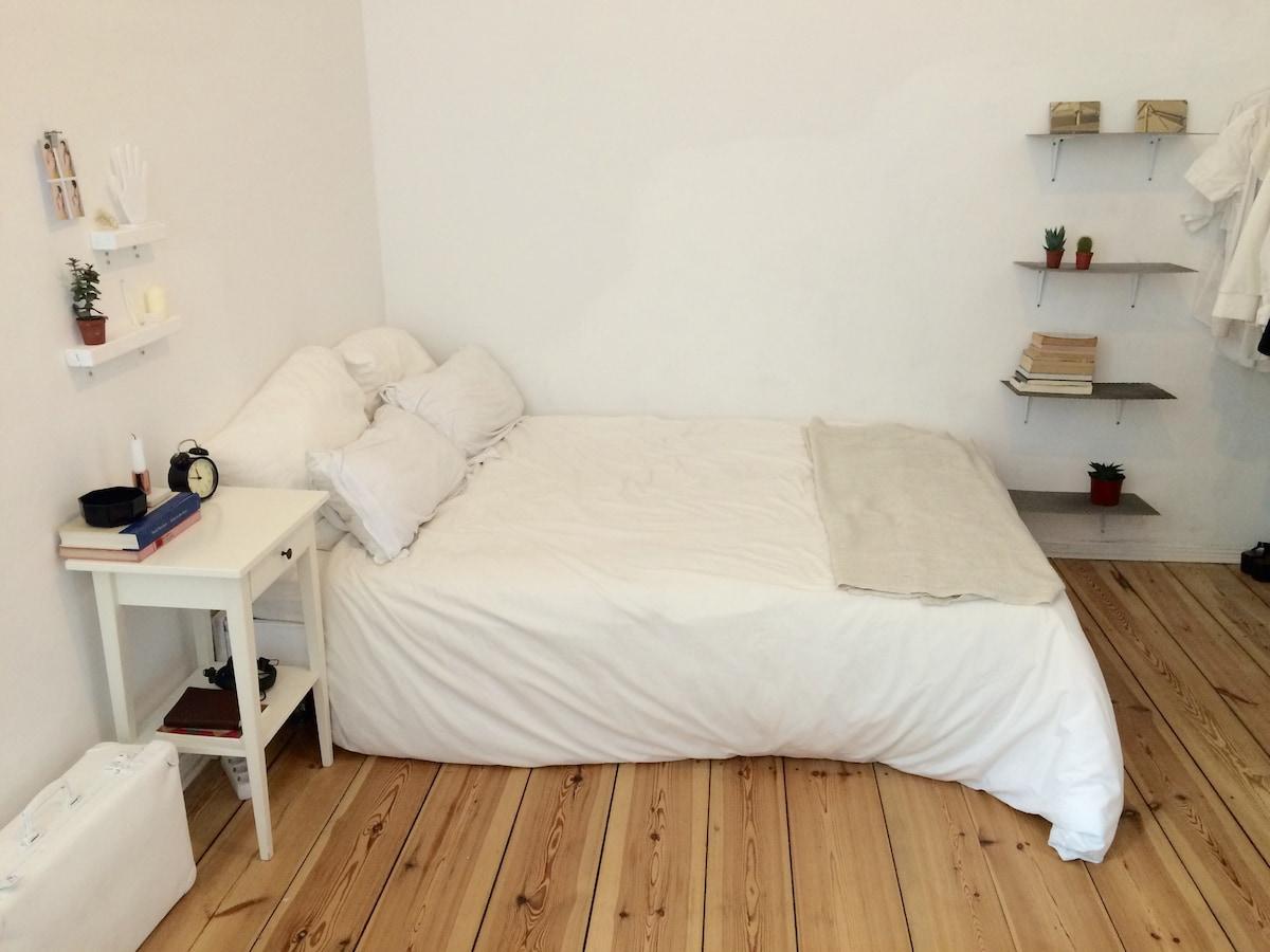 Charming Bedroom in Trendy Neukölln