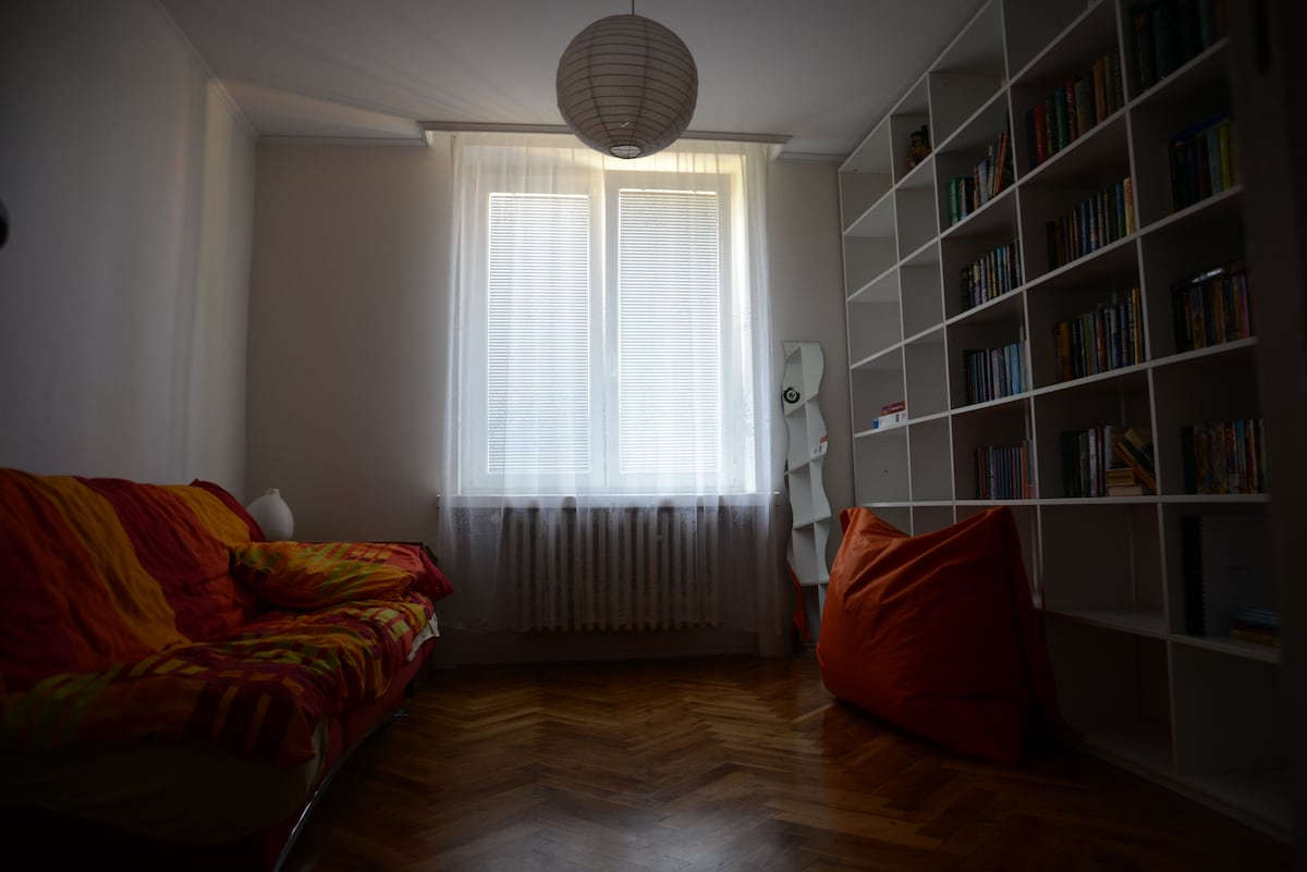 Apartment close from center