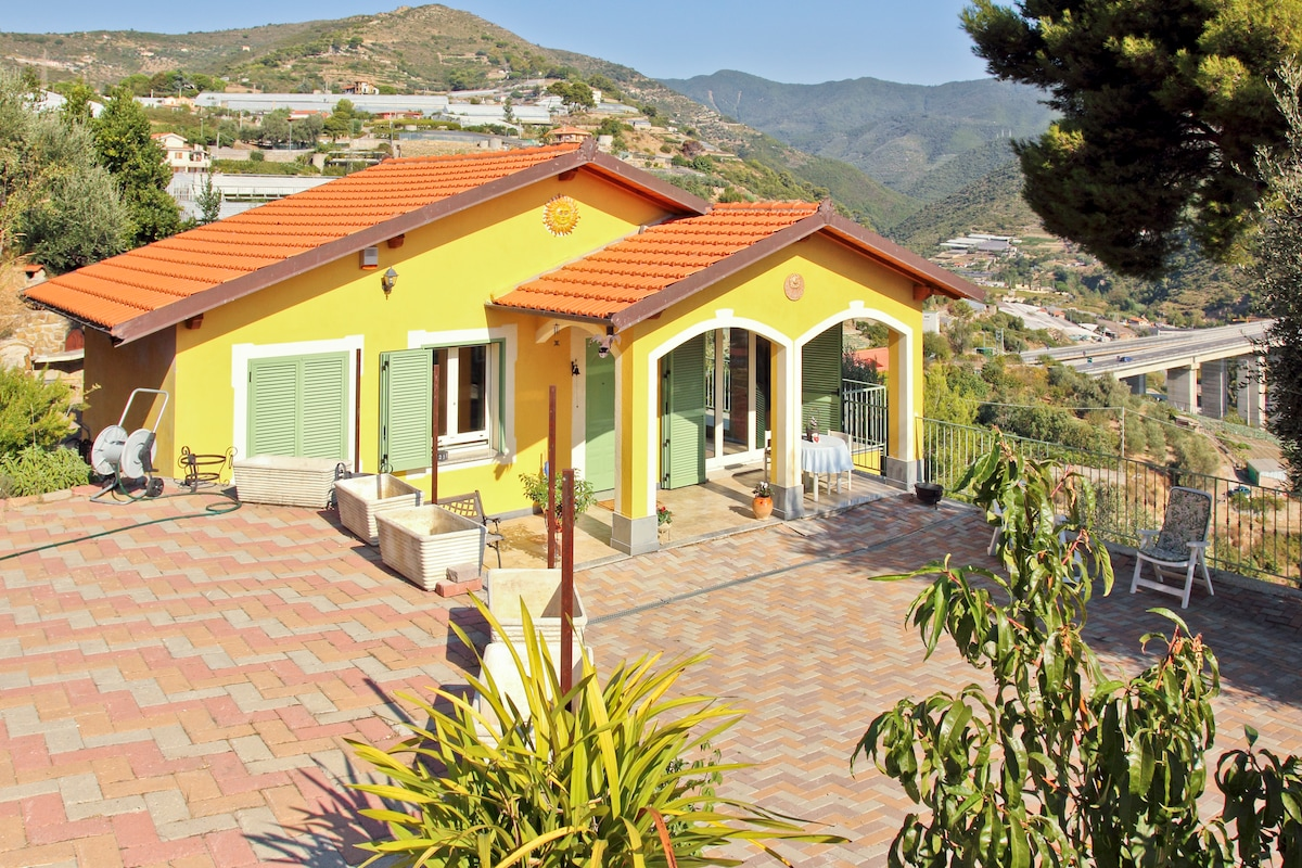 This is our house on the first hills of Sanremo a nice place with very nice view of the surrounding.
