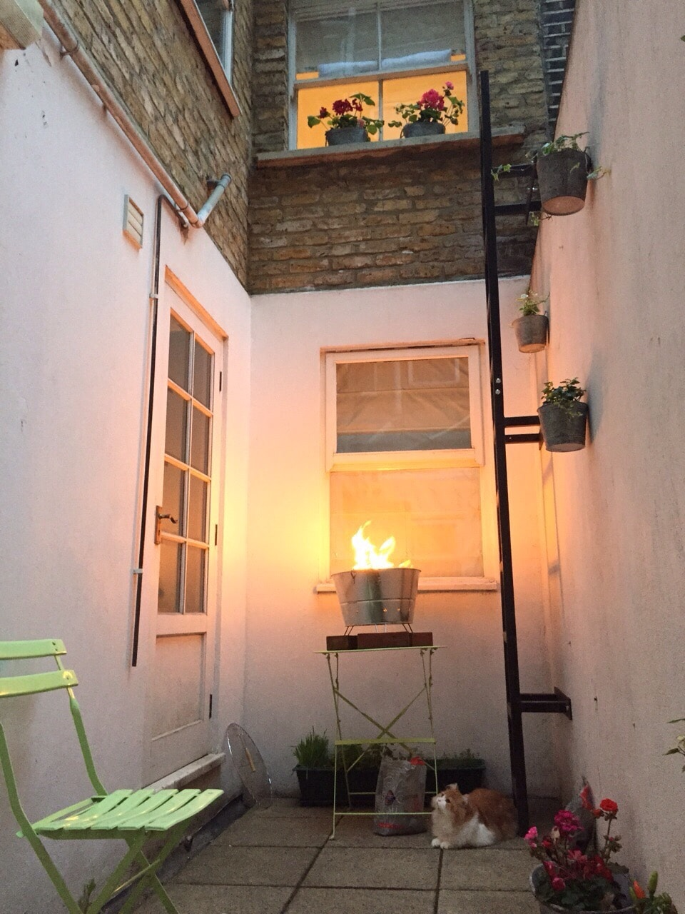 Cosy Room with Private Bathroom W14